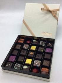 oh-boo-25-piece-praline-box