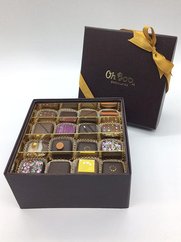 oh-boo-32-piece-praline-box-chocolates
